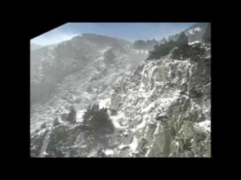 Pujant en cremallera a Núria enmig del torb - Febrer 2013