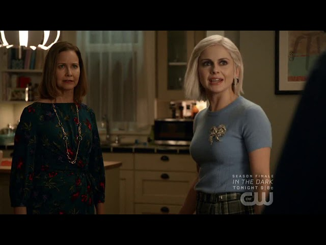 iZombie (2019) | 5.09 - 'I'm in the middle!' (Clip)