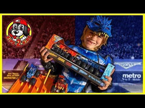 Monster Jam Trucks COME ALIVE! 🔥Fire & Ice DRAGON vs ZOMBIE ❄️Monster Jam Fire & Ice Grave Digger