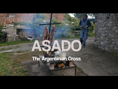 Simon Dyer - Asado Cooking with an Argentinian Cross