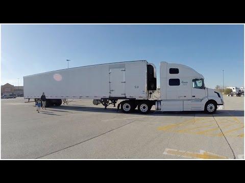 Estacionamento para Caminhão no Supermercado - Vlog18rodas - EP57/2016