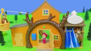 Mascha und der Bär Unboxing: Bärenhaus, Masha Puppen & Krankenwagen Spielzeugautos für Kinder