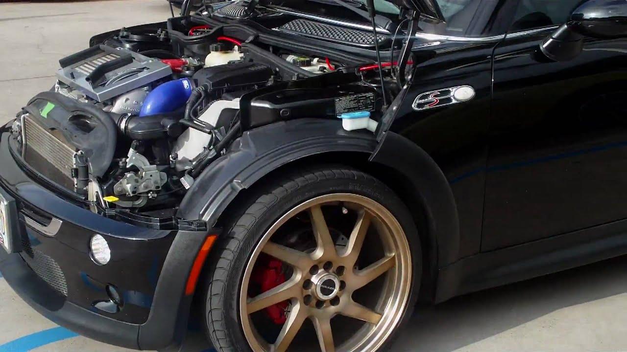 Fast Mini Cooper race car - YouTube