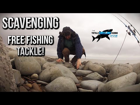 Scavenging FREE Fishing Tackle On The Beach! | TAFishing