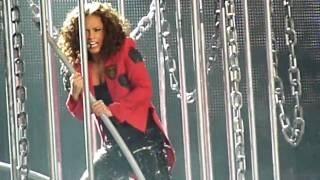 Alicia Keys Live Caged Bird & Love is Blind 04-06-2010 @ Staples Center LA