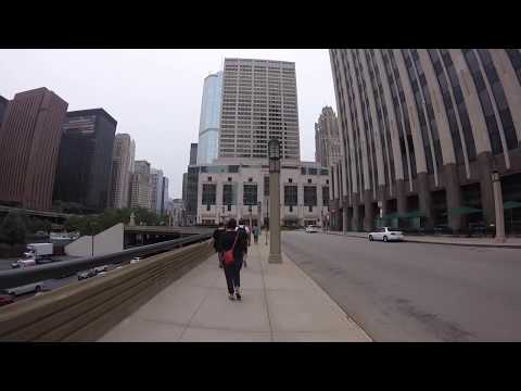Tour of the Magnificent Mile of Shopping in Chicago