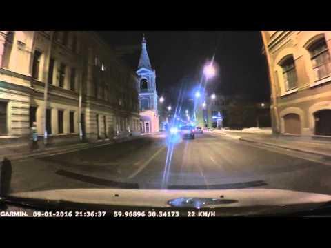 Выбираем видеорегистратор: Garmin Dash Cam 35 съемка ночью