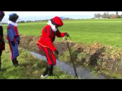 Sinterklaas 2011 Akkrum Nes, Zwarte Piet gaat Fierljeppen