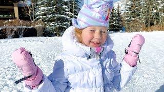 Настя и её зимние развлечения с друзьями