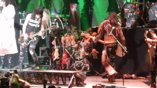 ALICE COOPER - Feed My Frankenstein - LIVE 3/11/15 Manchester Arena