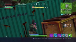 Playing with the new PS4 Fortnite Battle royale Pack: Paquito YT