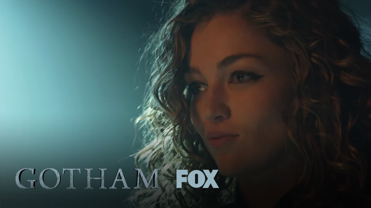 Catwoman Steals A Diamond | Season 5 Ep. 12 | GOTHAM