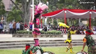 Atraksi Marching Band Anak SD di Alun Alun Kebumen
