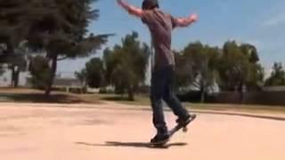 Скейт Разор, видео трюки на рипстике(Разор рипстик - супер доска для езды и выполнения трюков. Закажите в интернет-магазине http://www.hubster.ru 2х скейты..., 2013-05-24T07:16:00.000Z)