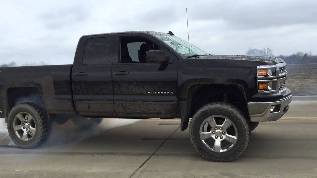 2015 Lifted Silverado >> Lifted 2015 Chevy Silverado Burnout Youtube