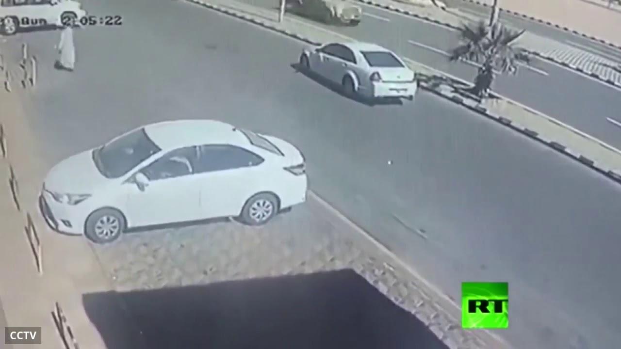 السعودية.. كاميرا مراقبة توثق لحظة فرار قاتل من مسرح الجريمة
