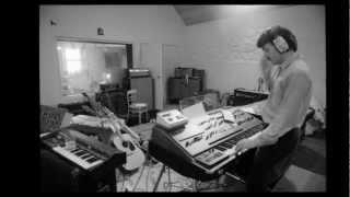 PAUL MCCARTNEY - MONKBERRY MOON DELIGHT (VOCAL).wmv
