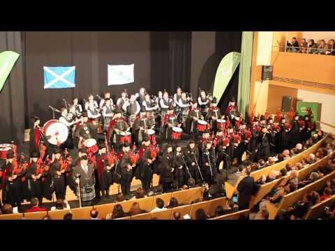Himno de Galicia - Real Banda de Gaitas de Ourense & ScottishPower Pipe Band. By Alex Righi y Nieves