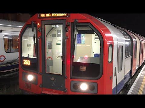 *Full Journey* Night Tube Central Line (Ealing Broadway → Hainault via Newbury Park)