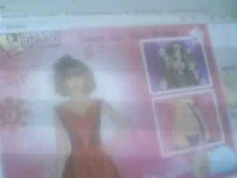 Alyssa Plays Dressup Taylor Swift