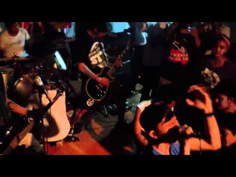 xBRAVE HEARTx FULL SET LIVE AT BANE SOUTH ASIA TOUR 2012 JAKARTA (HD)