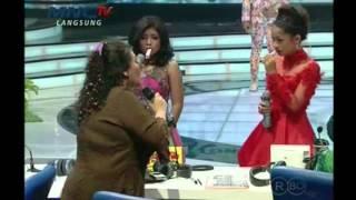 Bertha Mengajar Menyanyi Thalia dan Ita