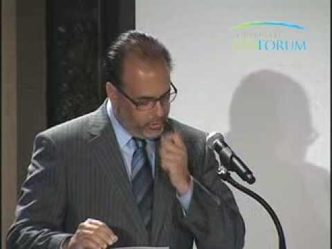 Walmart Brazil CEO Hector Núñez Accepts First CK Prahalad Award for Sustainability Leadership