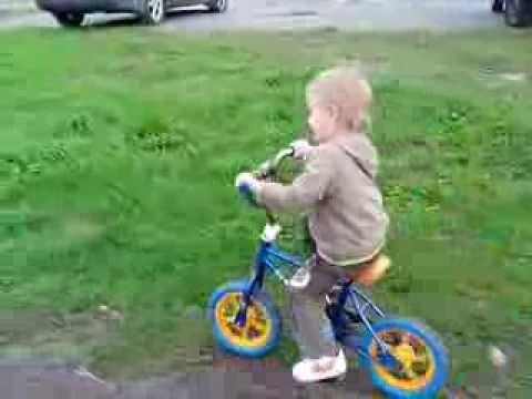 Велосипед с 3-х лет))