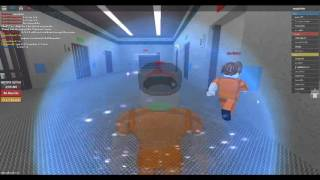 Try to escape the RED WOOD PRISON (ROBLOX)