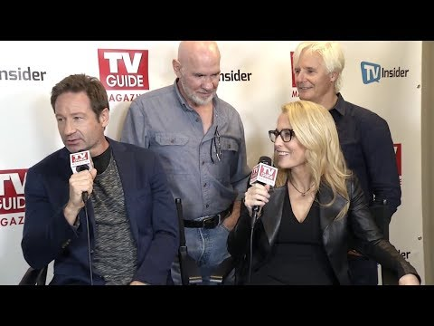 gillian-anderson-&-david-duchovny-from-the-x-files-interviews-at-nyc-comic-con-2017