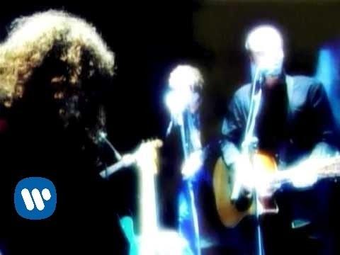 Llamando A La Tierra (Serenade From The Stars) (Video)