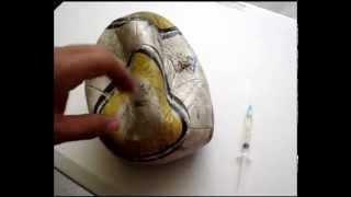 Cómo reparar un balón de futbol con clara de huevo. (Video Original)
