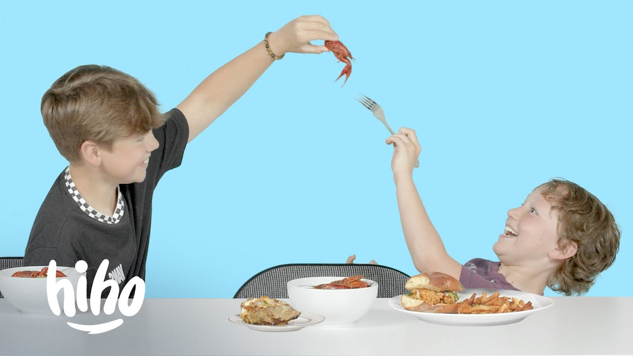 Kids Try Food From New Orleans | HiHo Kids