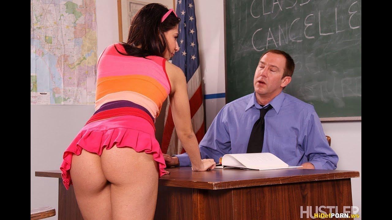 Учитель пристаёт к ученице, Русский учитель пристает к своей студентке у доски 17 фотография
