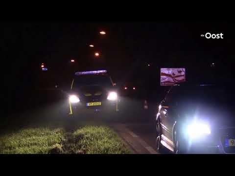 Auto slaat over de kop in Holten, bestuurder gewond