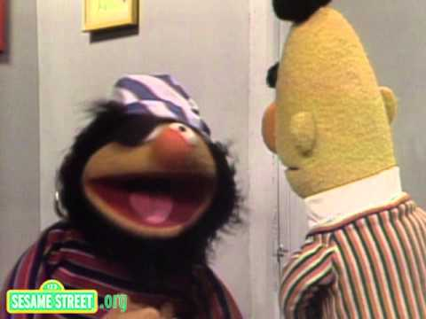 Sesame Street: Ernie's Disguises