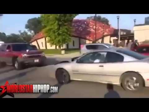 Ужасные люди авария попасть под машину, как они говорят, 38