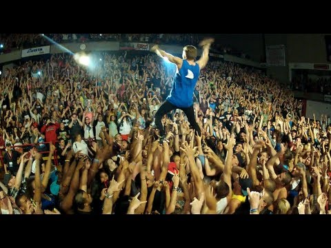 Macklemore & Ryan Lewis feat. Ray Dalton - Can't Hold Us - Live at EWU