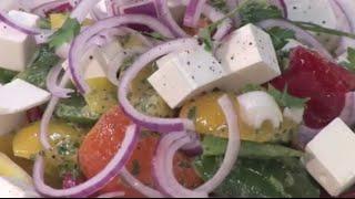 Салат греческий с анчоусами
