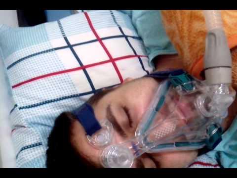 Daniel usando CPAP...