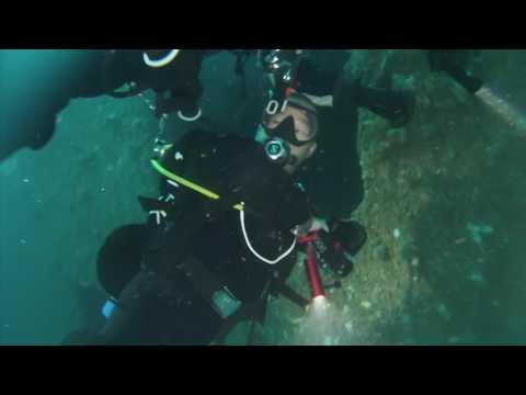HMAS ADELAIDE DIVE 1