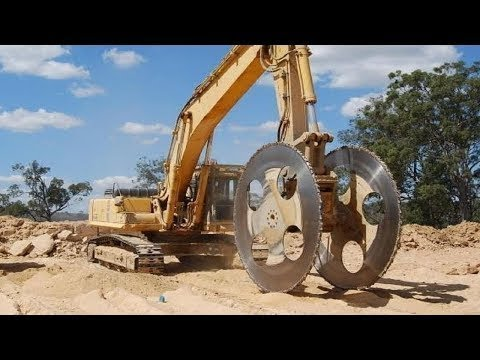 Dangerous Equipment Excavator Chipper Chainsaw Trees, Fastest Maximum Modern Wood Lift Technology