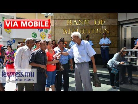 Bramer Bank : des clients manifestent devant la Banque de Maurice
