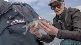 Сквер Єкатеринбург. Мало не заарештували на риболовлі! Рибалка в підтримку скверу.