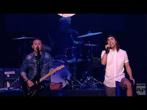 APMAs 2016 Performance: YELLOWCARD with VIC FUENTES, BRADLEY WALDEN and EDDY BREWERTON