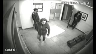 №4 В Тольятти 21 летняя девушка напала на полицейских и разгромила дежурную часть.
