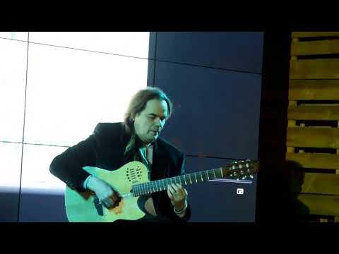 Алексей Кравченко концерт за права животных у Красной площади