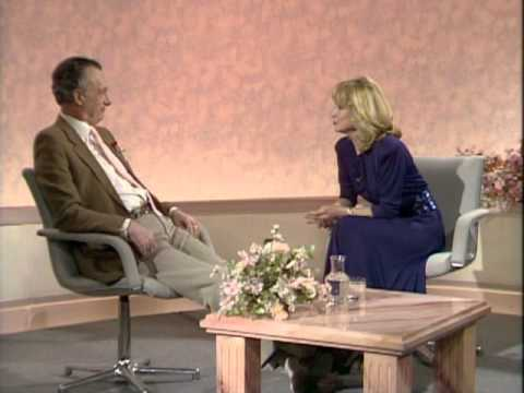 Paul Eddington interview (optional English subtitles)