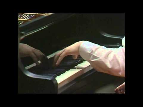 Evgeny Kissin - Chopin - Nocturne No 1 in C-sharp minor, Op 27