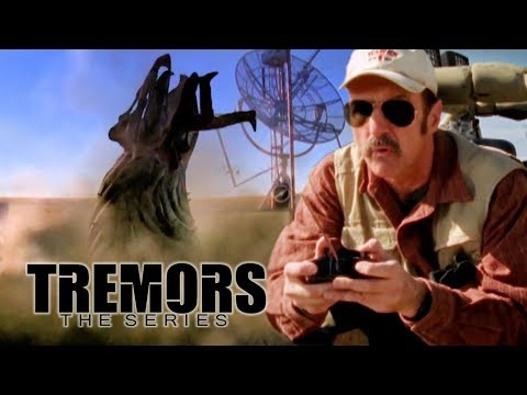 Graboid Ignores The Truck Bait | Tremors: The Series